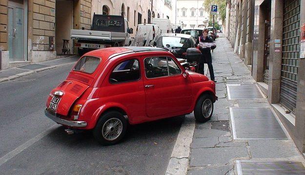 Puede cualquiera conducir un coche de alquiler (Dudas frecuentes)